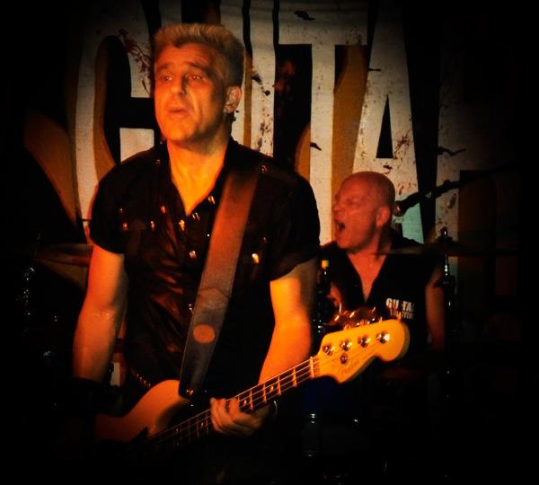 Guitar Gangsters im Zwölfzehn, 24. Mai 2010 © Thorsten, Lauschsofa
